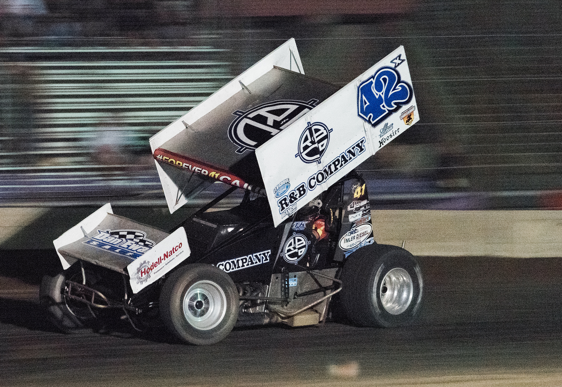 Tim leading the main event, driving the Josh Bates 42x at Stockton, 2018.