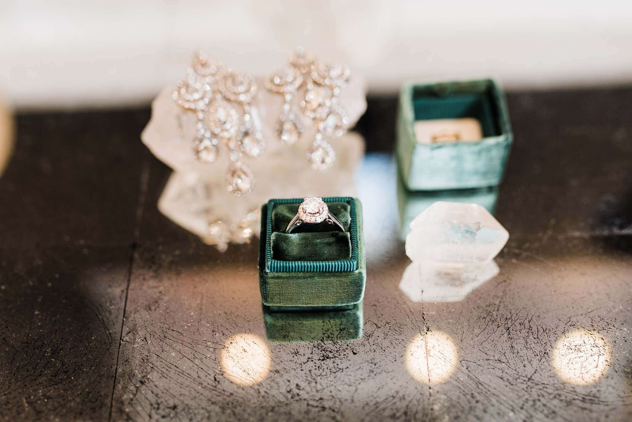 Mrs. Box Wedding ring holder in color Emerald