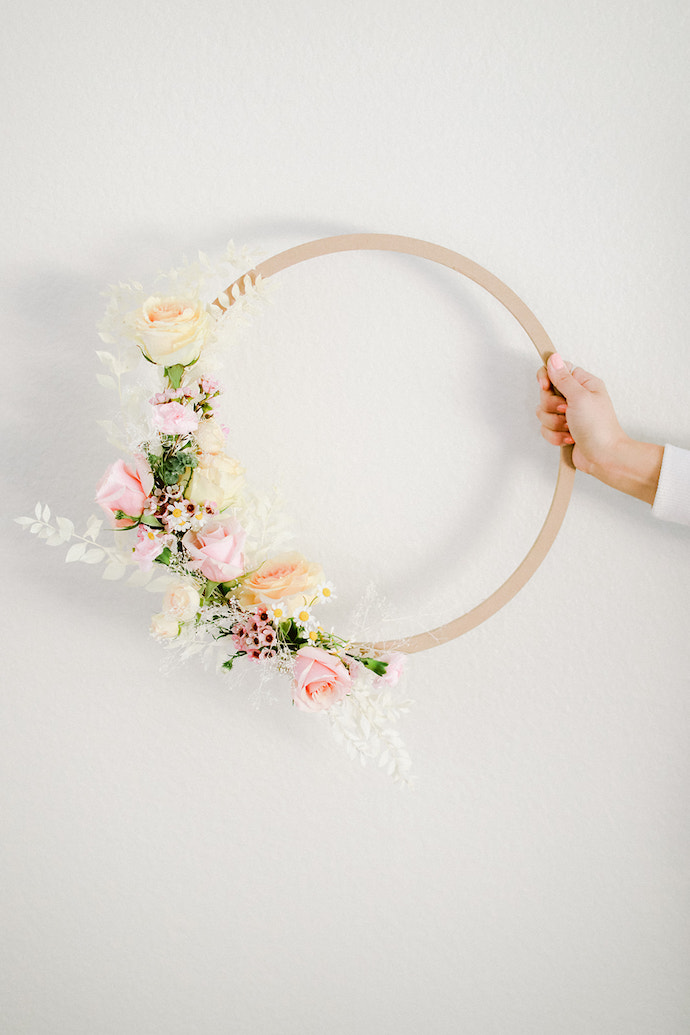DIY-Spring-Floral-Wreath-3.jpg