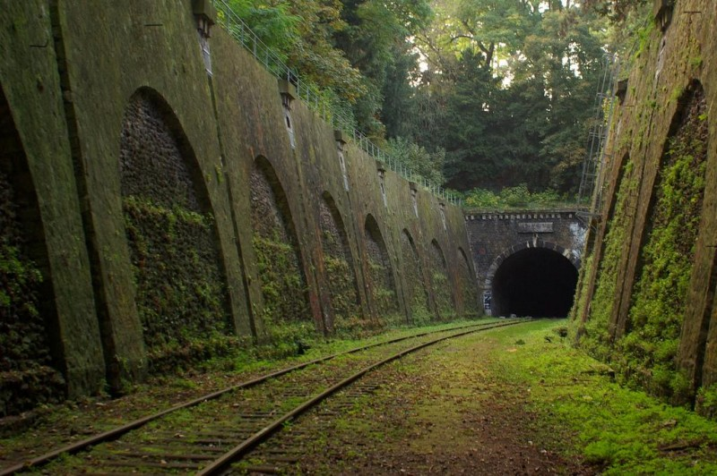 Train-Tunnel-800x532.jpg