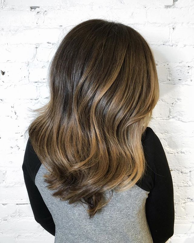 Balayage refresh on brunette hair with lots of low-lights to add depth and dimension! • • • #CHLhairbyMac #customhairlounge #chicagohairstylist #midwesthairstylist #chicagosalon #chicagohair #lincolnpark #linconlparkhair #lincolnparksalon #machorn #balayage #blonde #layers #bronde #brunette #longhair #chicagosalon #chicagohairstylist #brondebalayage #highlights #blondebalayage #wavyhair #colormelt #hairtrends #brondehair #moprofessional #crafthaircolor #blondehair #rootmelt #bestofbalayage