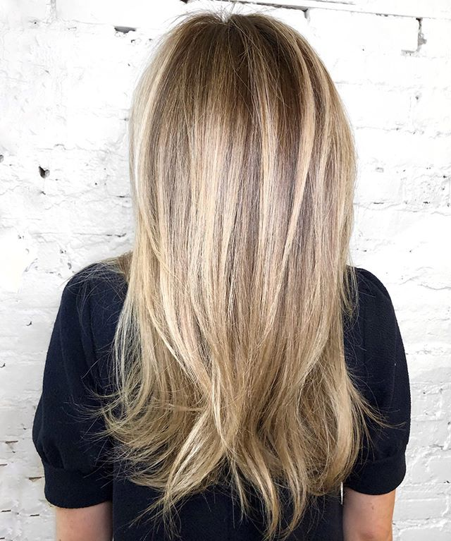 Highlights and root shadow glaze with long layers ✨ • • • #machorn #chlhairbymac #customhairlounge #babylights #bablightsandbalayage #butteryblonde #champagneblonde #chicagohairstylist #midwesthairstylist #chicagosalon #chicagohair #hairinspo #chicagoblog #hairtrends2019 #mastersofbalayage #bestofbalayage #showmethebalayage #balayagedandpainted #maneaddicts #behindthechair #modernsalon #beautylaunchpad