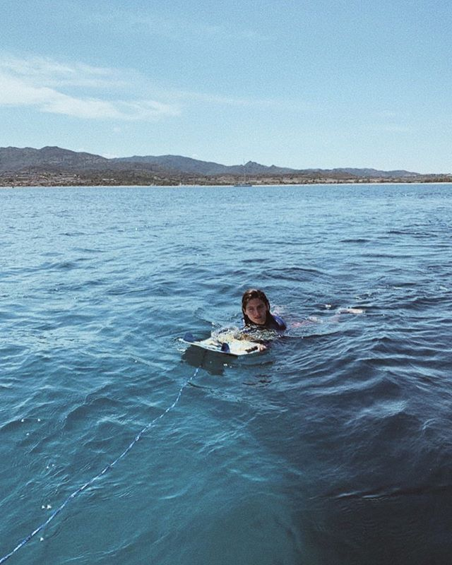 my very first wakeboard experience. 🏄🏽♀️ #grateful ⠀⠀⠀⠀⠀⠀⠀⠀⠀ ⠀⠀⠀⠀⠀⠀⠀⠀⠀ 📷 @lplqvt ⠀⠀⠀⠀⠀⠀⠀⠀⠀ #italy #italia 🇮🇹 #sardinia #sardegna #feelgood #watersports #trysomethingneweveryday