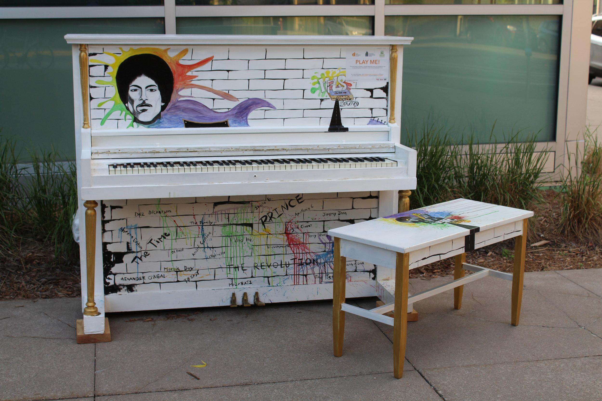 prince_piano2.JPG