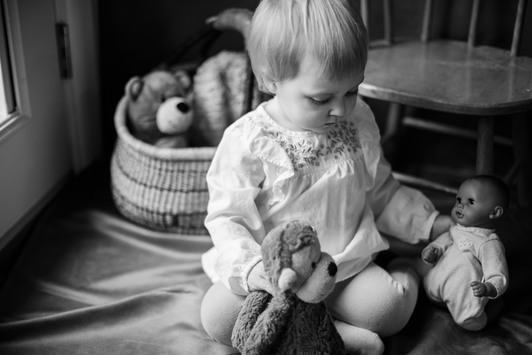 Eloise and Beatrix Baby and Family Photos 2019_ By Studio Misha Photography-110.jpg