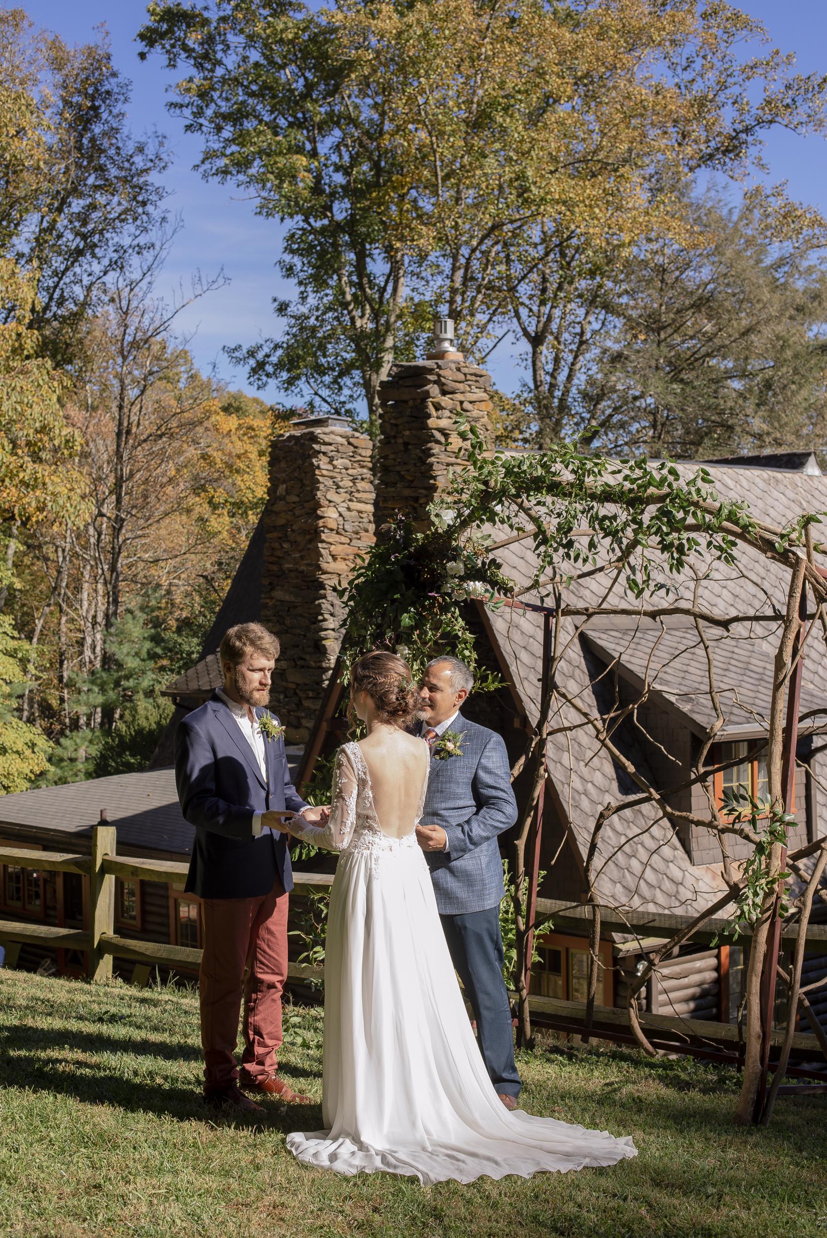 Laurel Falls Wedding October 2018_Allison and Josh__Lola Salon_Flora_Photo by Studio Misha Photography-30.jpg
