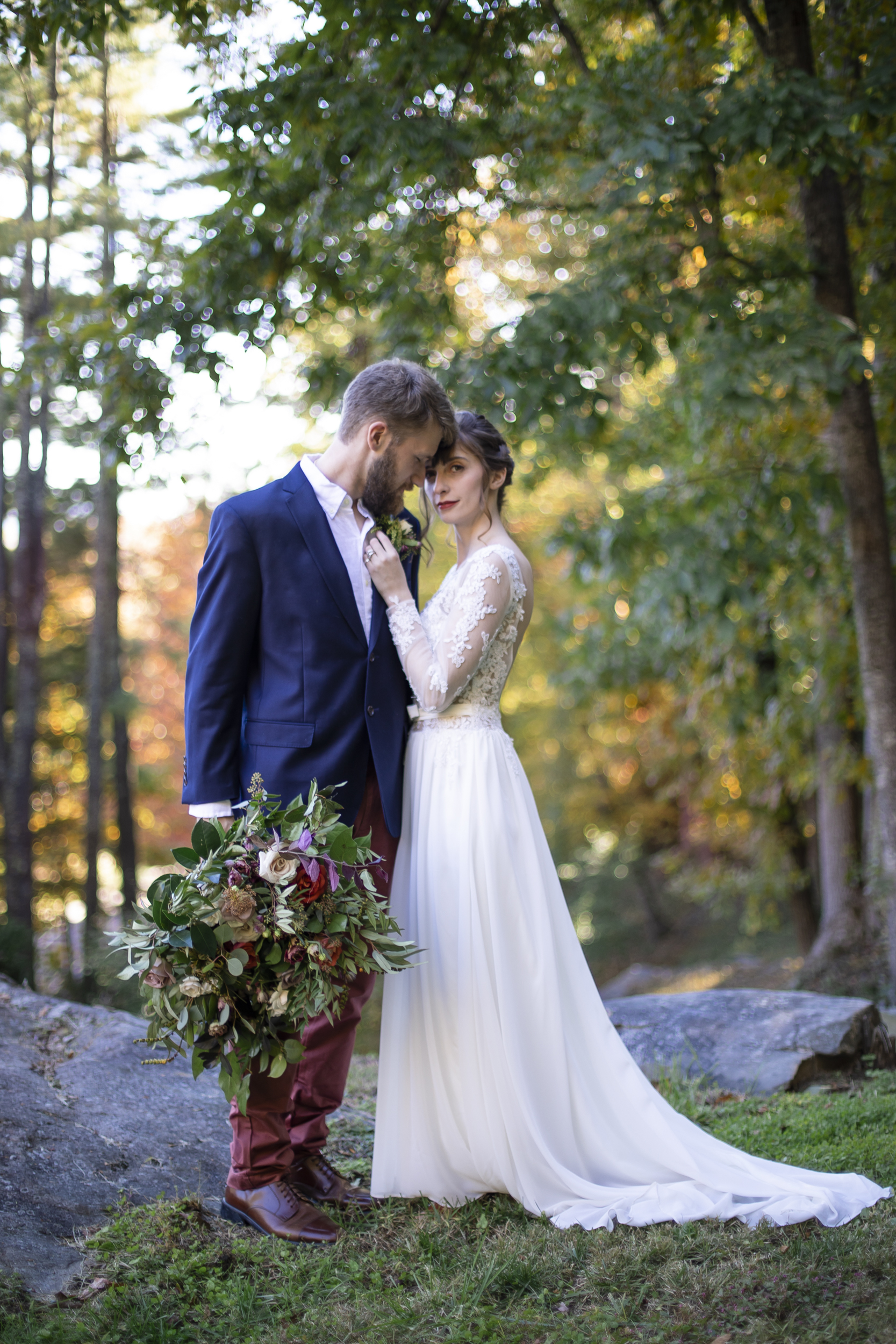 Laurel Falls Wedding October 2018_Allison and Josh__Lola Salon_Flora_Photo by Studio Misha Photography-35.jpg