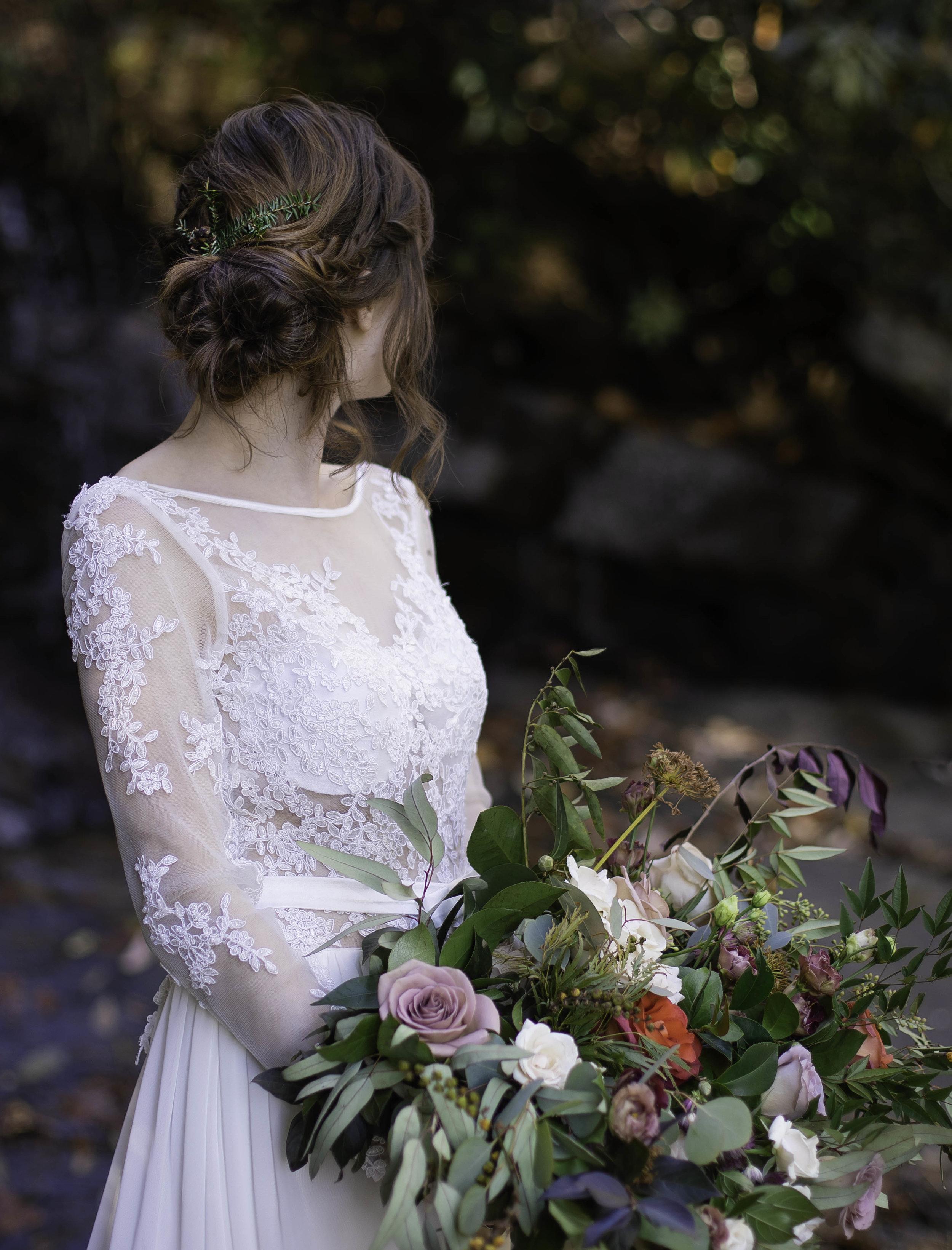 Laurel Falls Wedding October 2018_Allison and Josh__Lola Salon_Flora_Photo by Studio Misha Photography-85.5.jpg