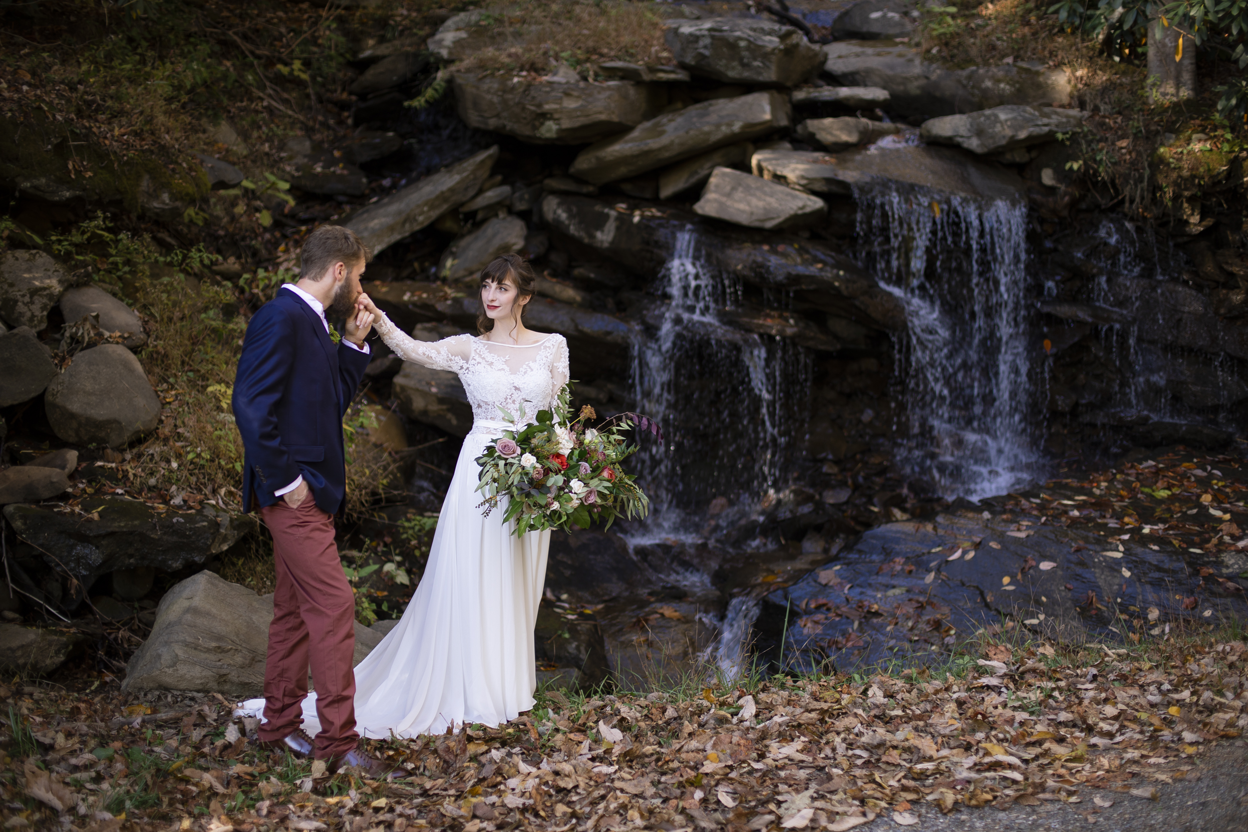 Laurel Falls Wedding October 2018_Allison and Josh__Lola Salon_Flora_Photo by Studio Misha Photography-89.jpg