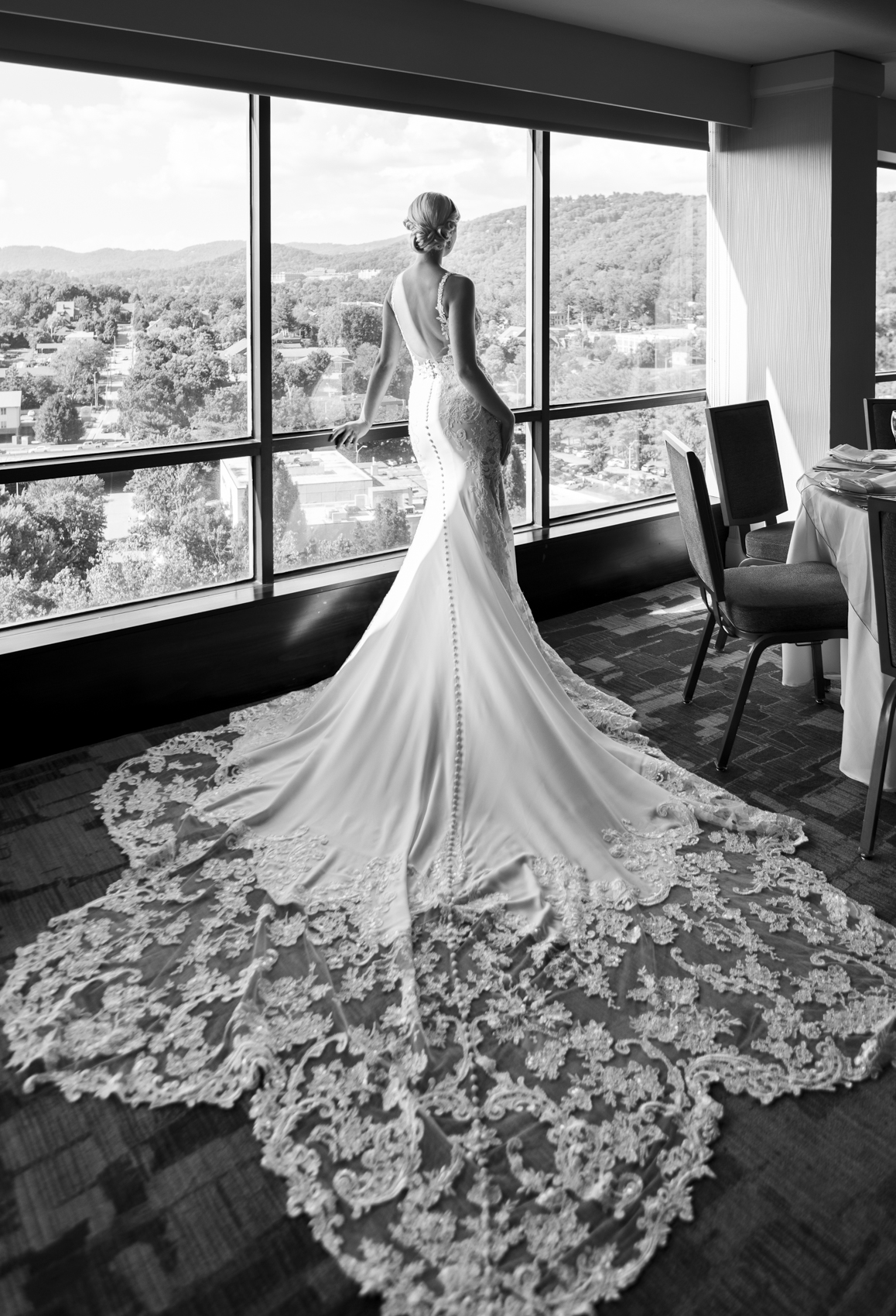 Vintage Glamour in Downtown Asheville_photos by Studio Misha Photography_BLOG-8.jpg