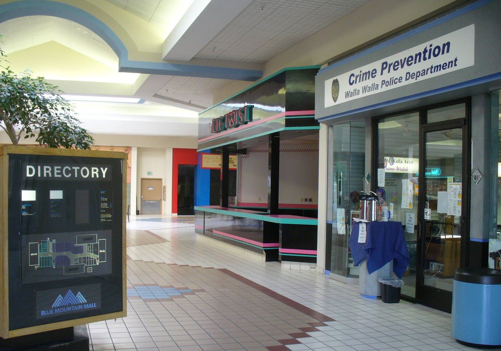 Blue Mountain Mall, 2-28-2008 (2).JPG