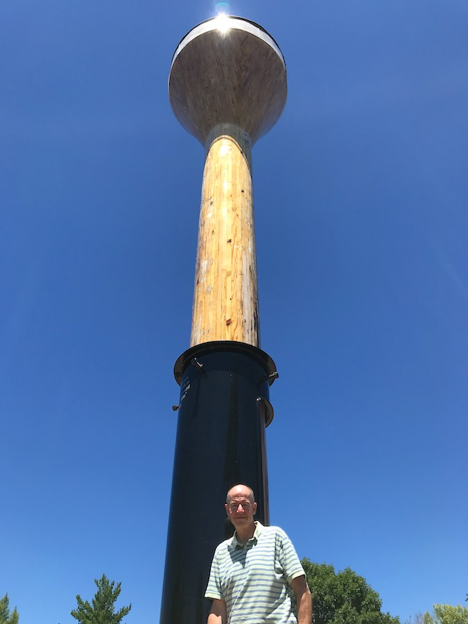 Six-foot-1 me was no match for 30.5-foot World's Largest Golf Tee.