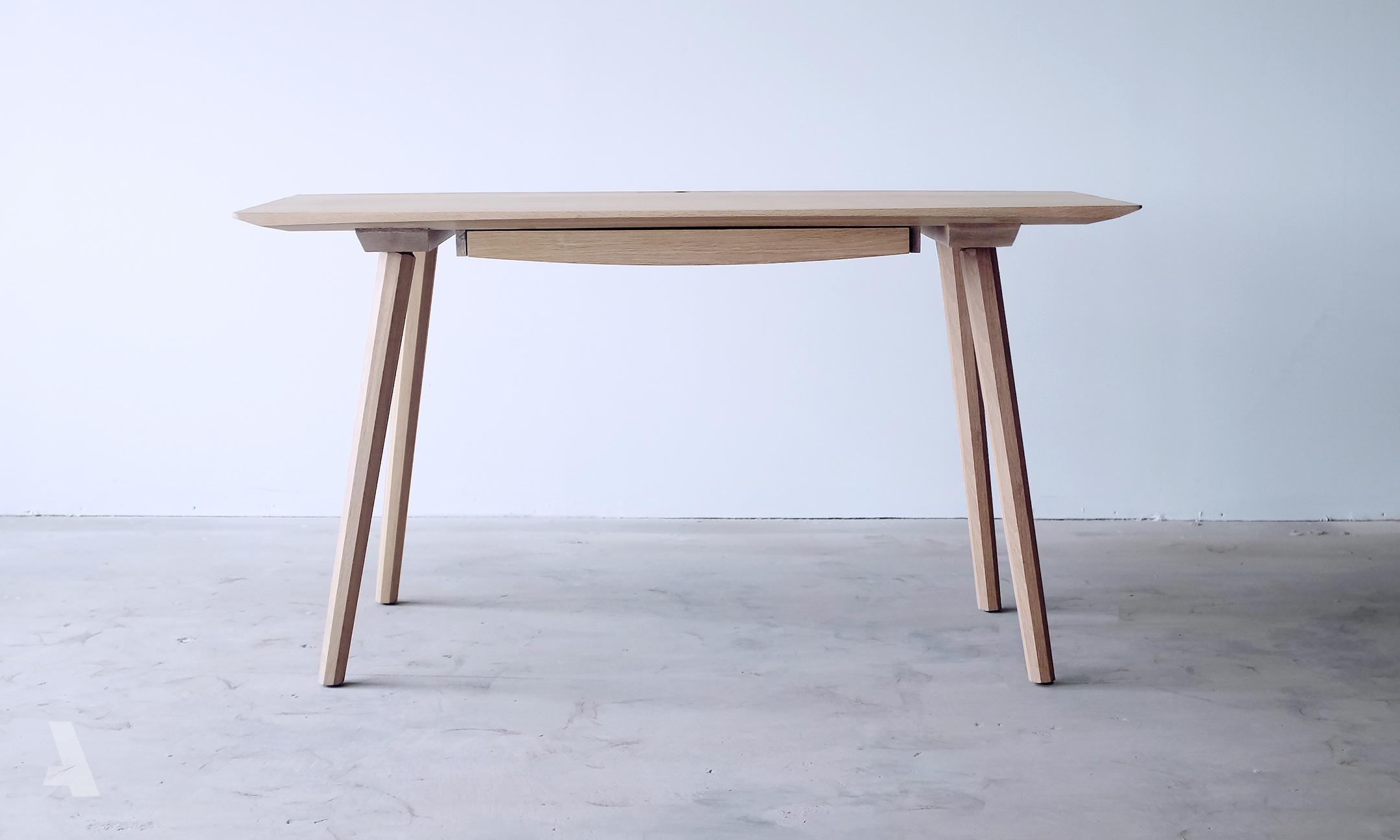 0007_Desk3_001.jpg