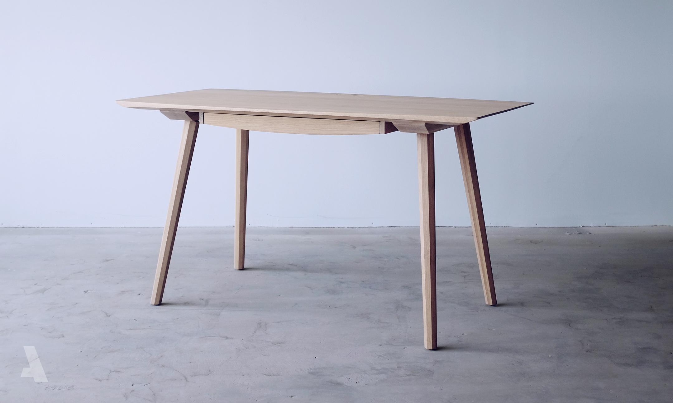 0008_Desk3_002.jpg