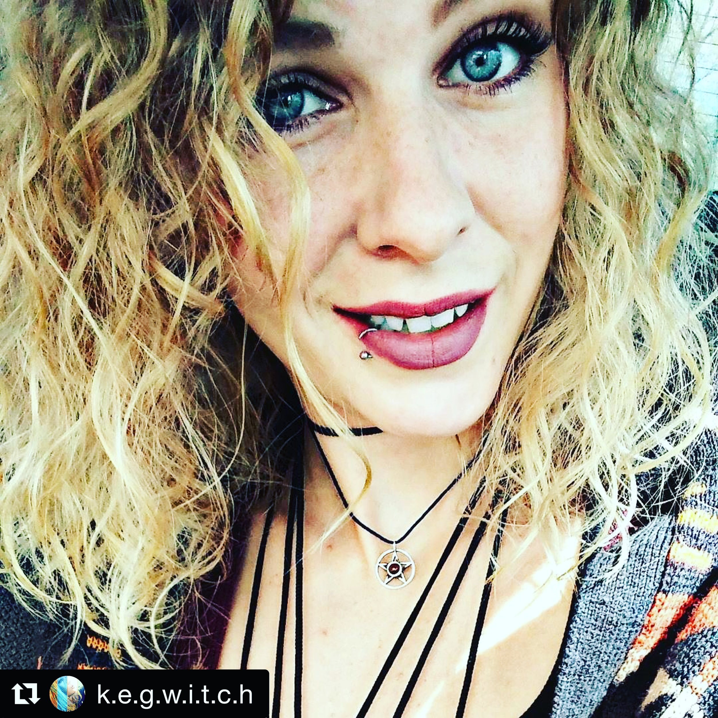 @k.e.g.w.i.t.c.h - Look at @k.e.g.w.i.t.c.h rocking those curls and freckles and eyes! Loved seeing her witchy results <3