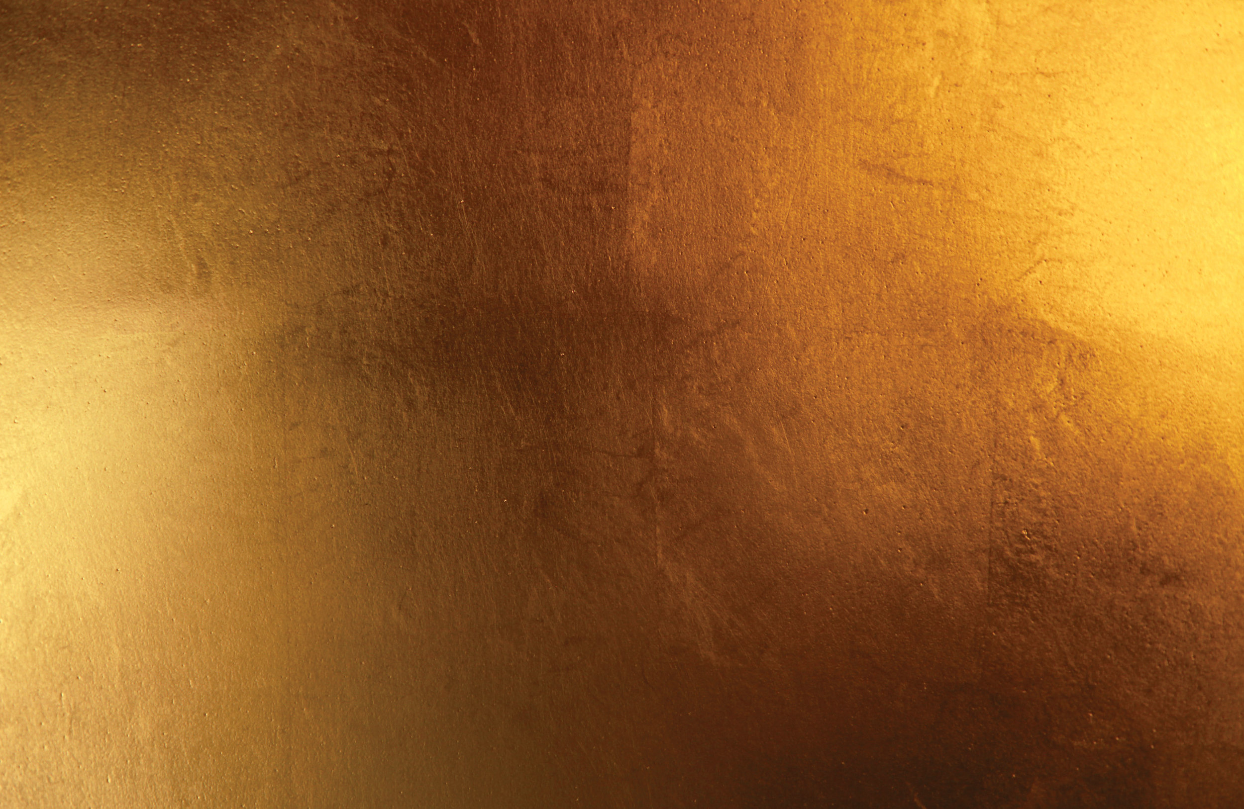 Marie-Burgos-Design.The-Queen-Pendant-Light.close-up-gold.MBcollection.jpg