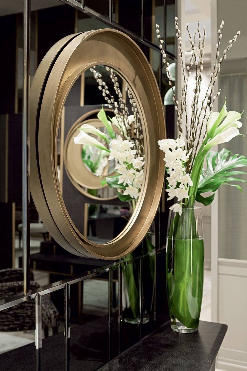 Marie-Burgos-Design.Eclisse-Double-Mirror.Close-up.Interior.MBcollection.jpg