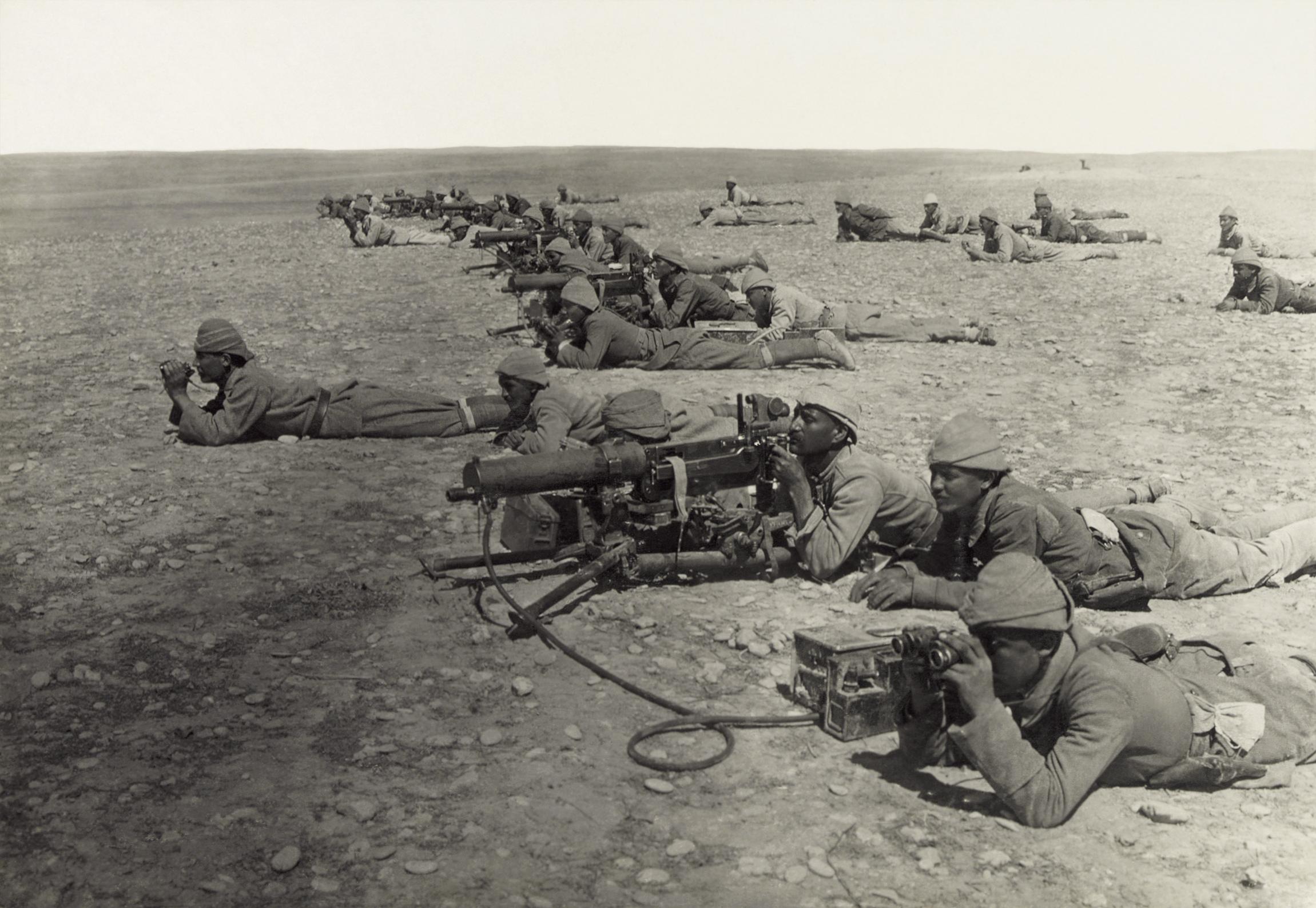 Machine_gun_corps_Gaza_line_WWIb_edit2.jpg