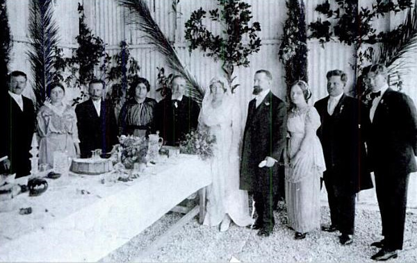 Sarah_Aaronsohn_wedding,_march_1914.jpg