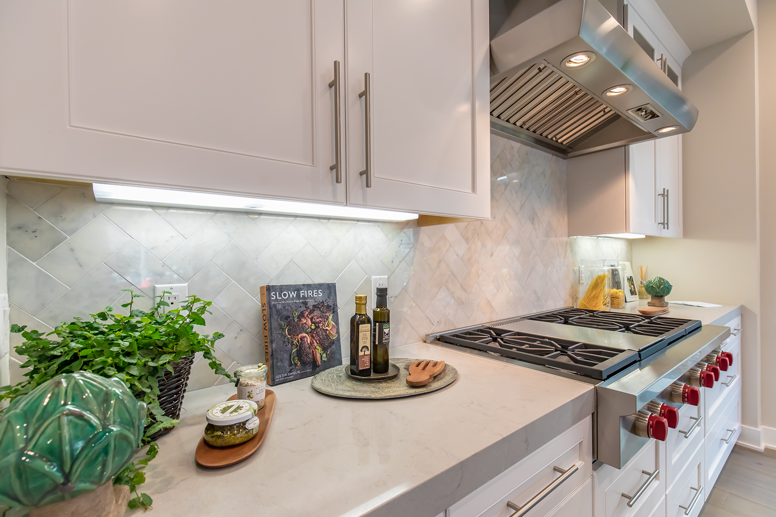 residence-2-kitchen-new-home-los-angeles-california-the-collection-at-playa-vista-1600.jpg