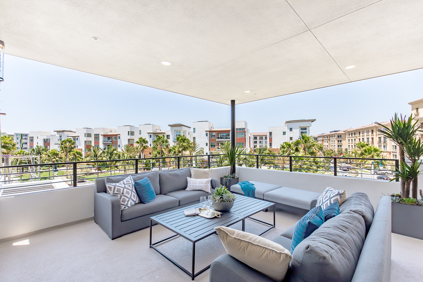 residence-2-covered-patio-new-home-los-angeles-california-the-collection-at-playa-vista-1600.jpg