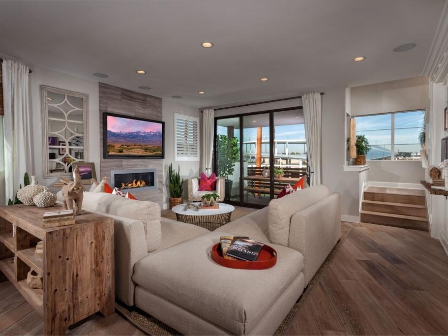 18_TriPointe_Woodson-Res3_Livingroom_1385-11x8-1024x683.jpg