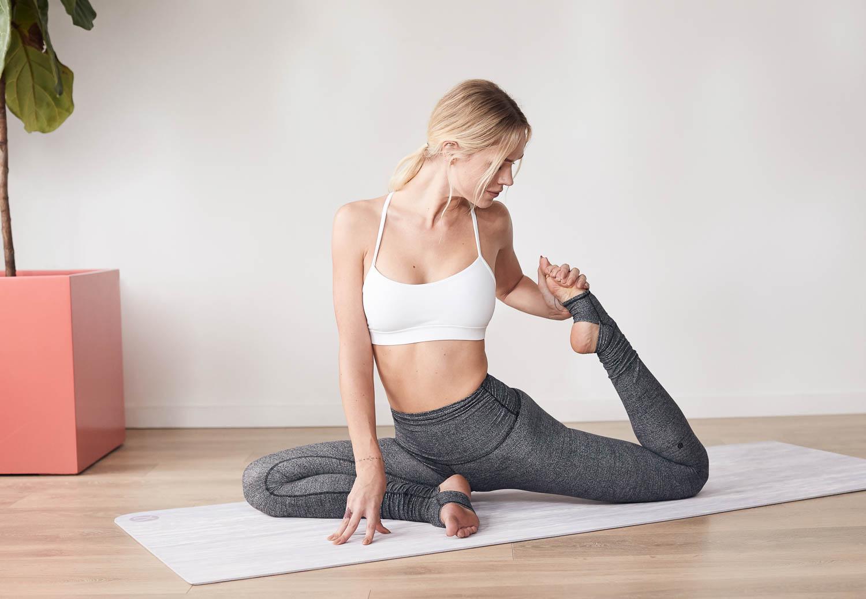 Holly-Graves-Annapurna-yoga-for-lululemon-32637-MK-Matt-Korinek-Photography-Copyright-2019-SQSP-1500px.jpg