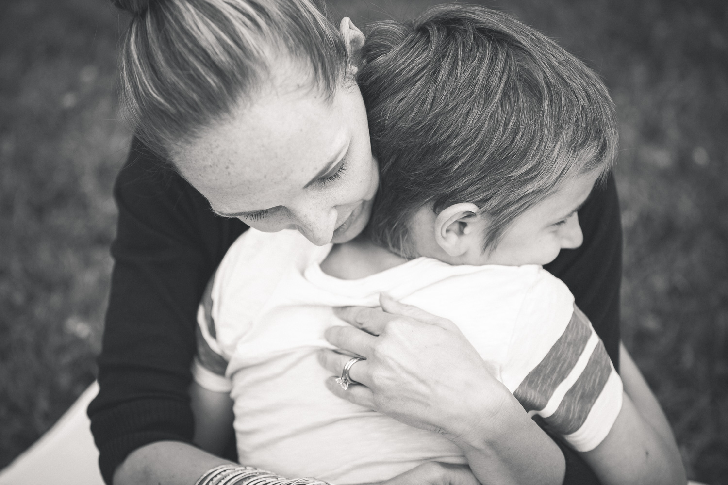 Sandra Ruth Photography Child And Mother Hug.jpg