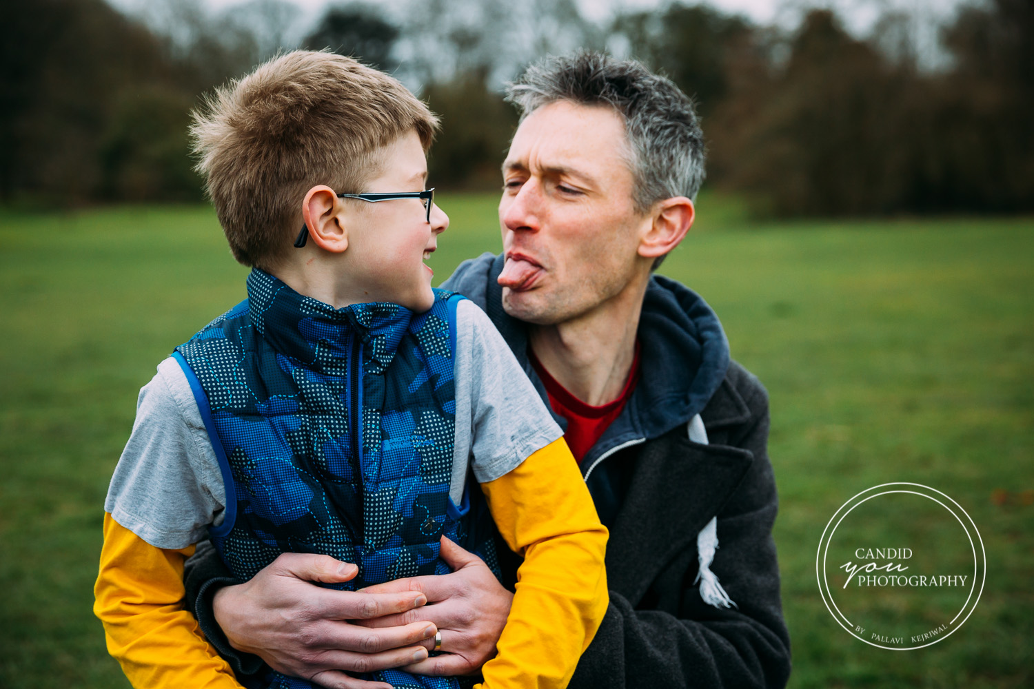 Harborne Dad yanks out tongue at son being cheeky