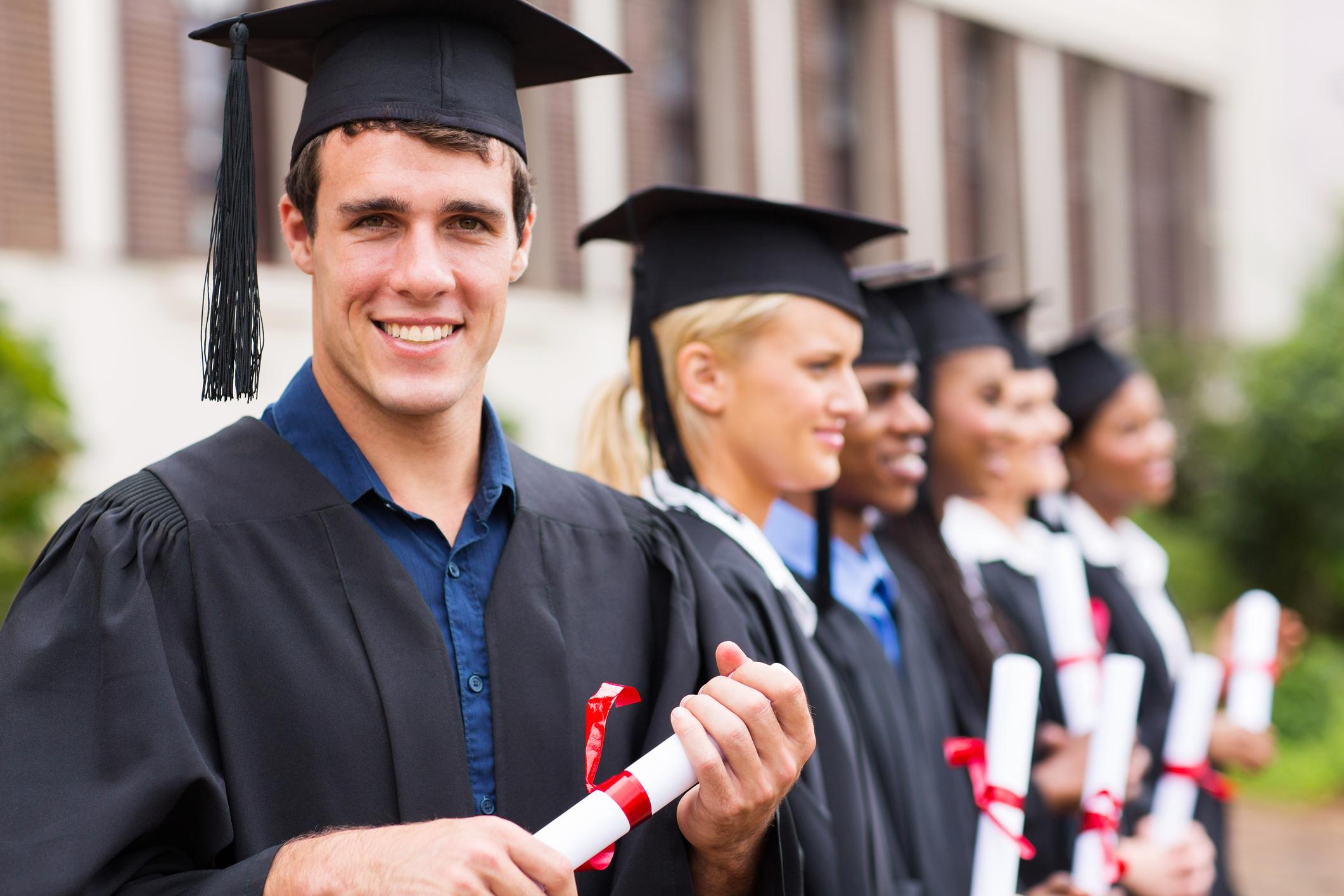 cheerful college graduates by michaeljung  INDEX, CERTIFICAÇÃO
