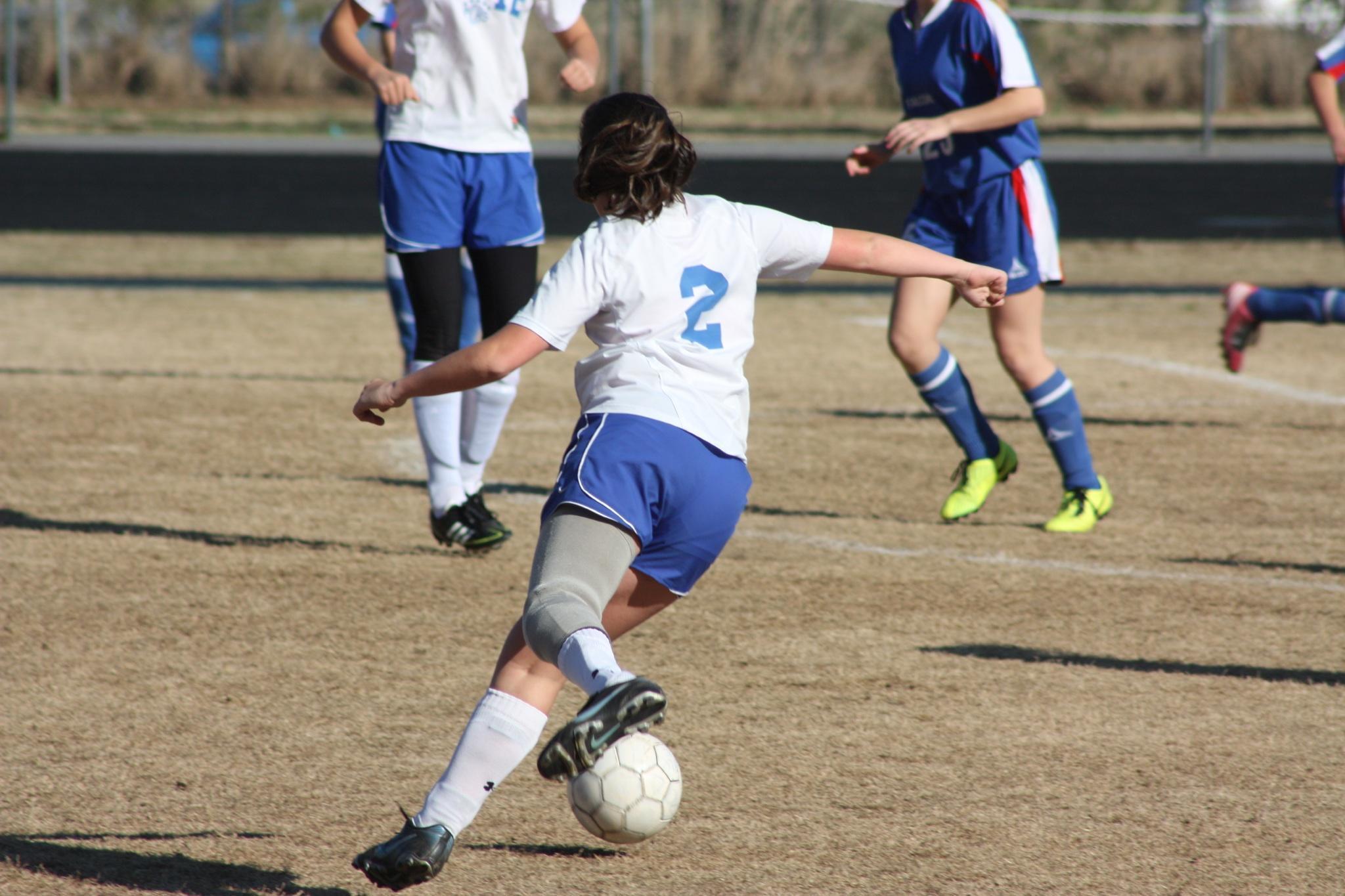 leg-prosthesis-football.jpg