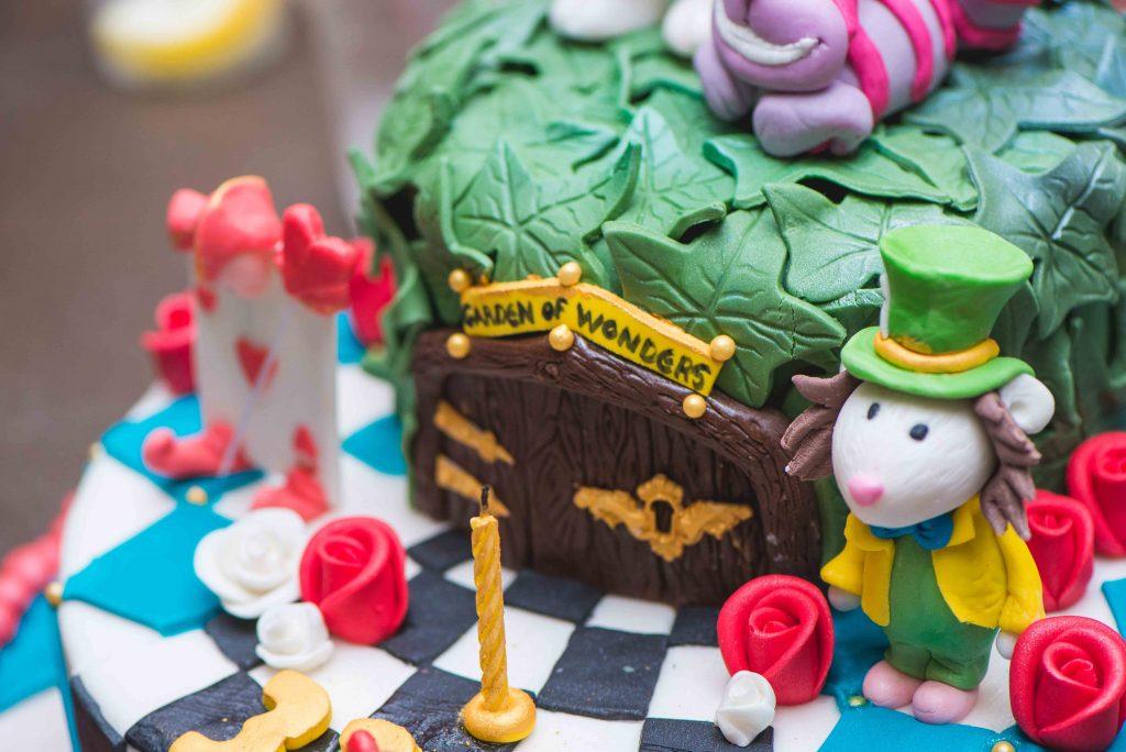 Καθημερινά μπορείτε να βρίσκετε έτοιμες τούρτες σε ευφάνταστα σχέδια και ποικιλία γεύσεων