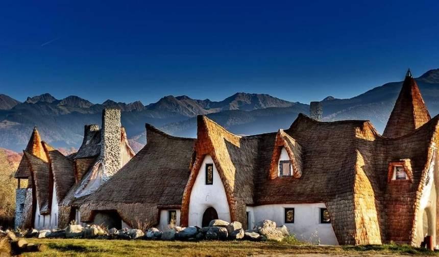 Transylvanian Hobbit hotel