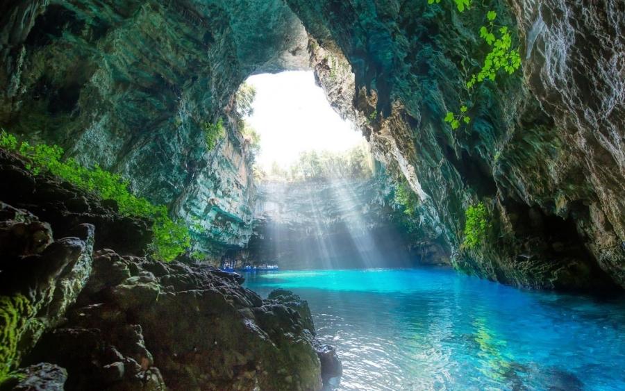 Λιμνοσπήλαιο Μελισσάνης, Conde Nast Traveler, photo source    www.inkefalonia.gr