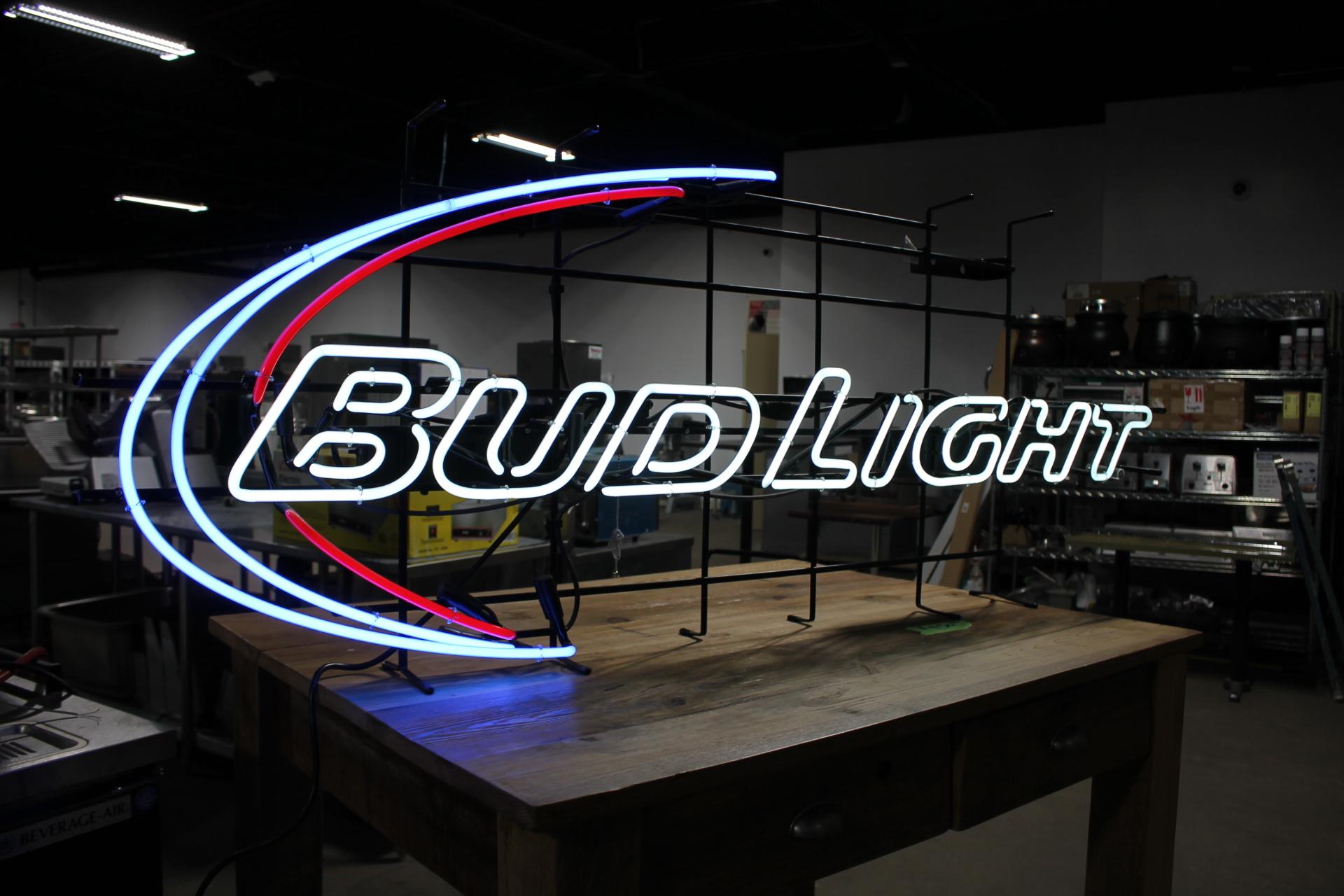 BUD LIGHT Lrg Neon Sign