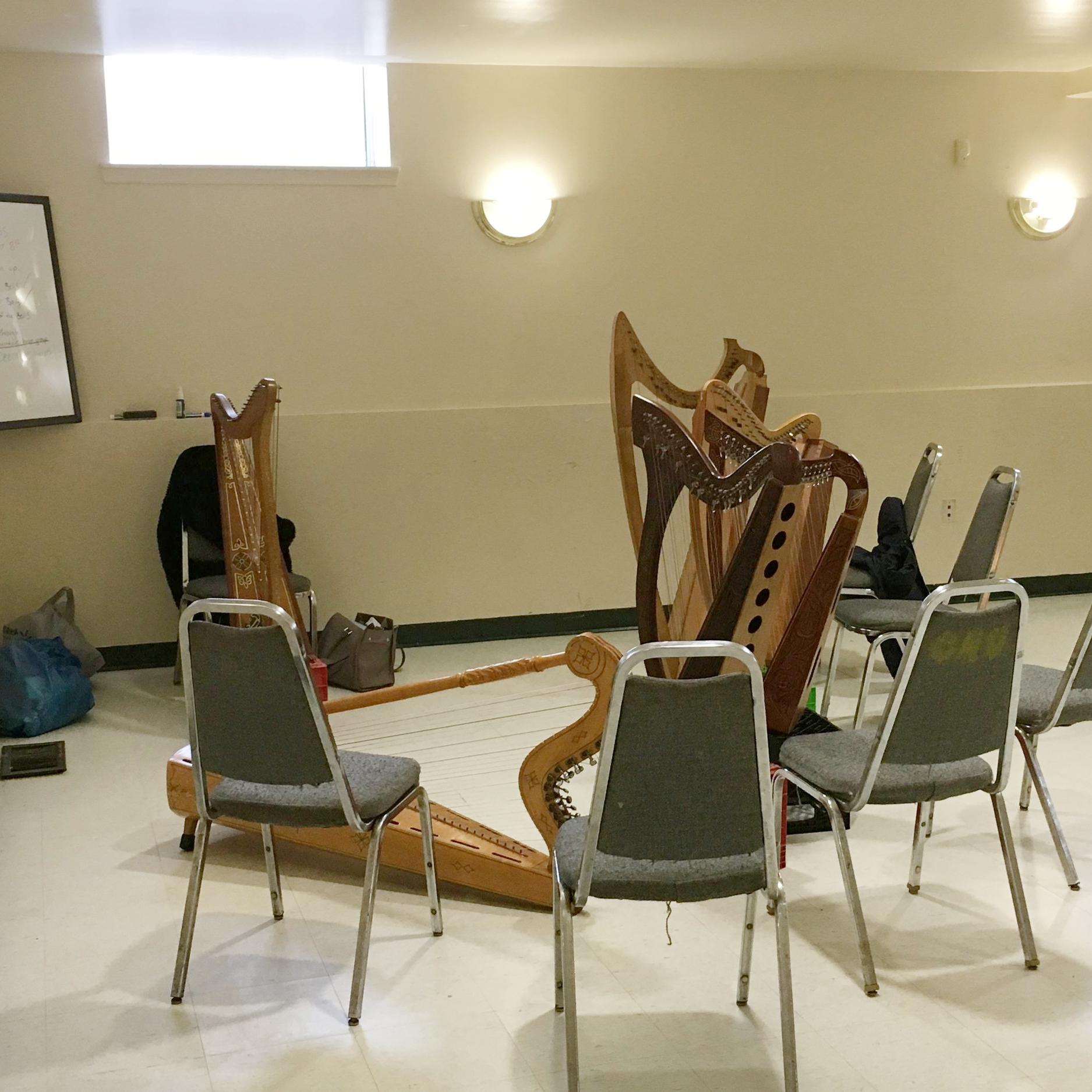 Jasmine teaches group harp lessons bi-weekly at the Druid Heights Community Center