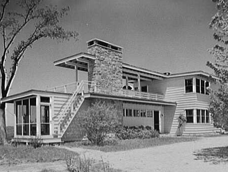 whole house from southeast.jpg