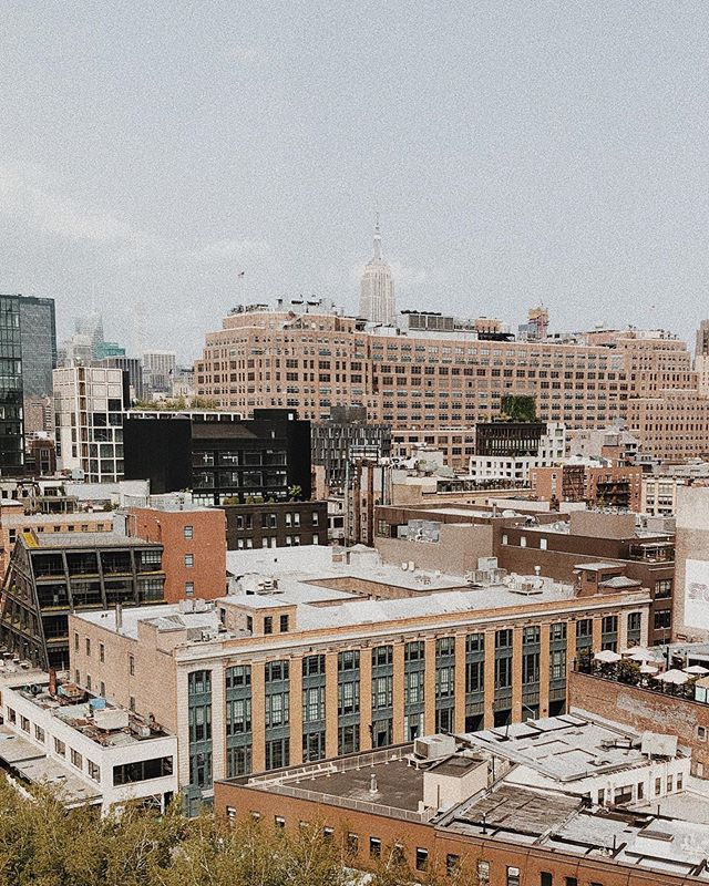 In a New York state of mind? 🎹  Jam to a mix of native NY artists including @aliciakeys @billyjoel and the Velvet Underground - the Sounds of New York playlist is only available on the Spring app 💪 · · · · #lifestyle #picoftheday #photooftheday #loveyourself #fit #liveauthentic #wellness #healthylifestyle #motivation #instadaily #music #amazing #artist #song #instamusic #goodmusic #runningplaylist #runningtherapy #SpringMovesapp #newyork #nylife