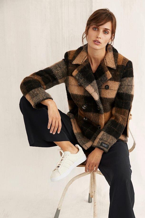 ma19-big-check-brown-coat (3).jpg