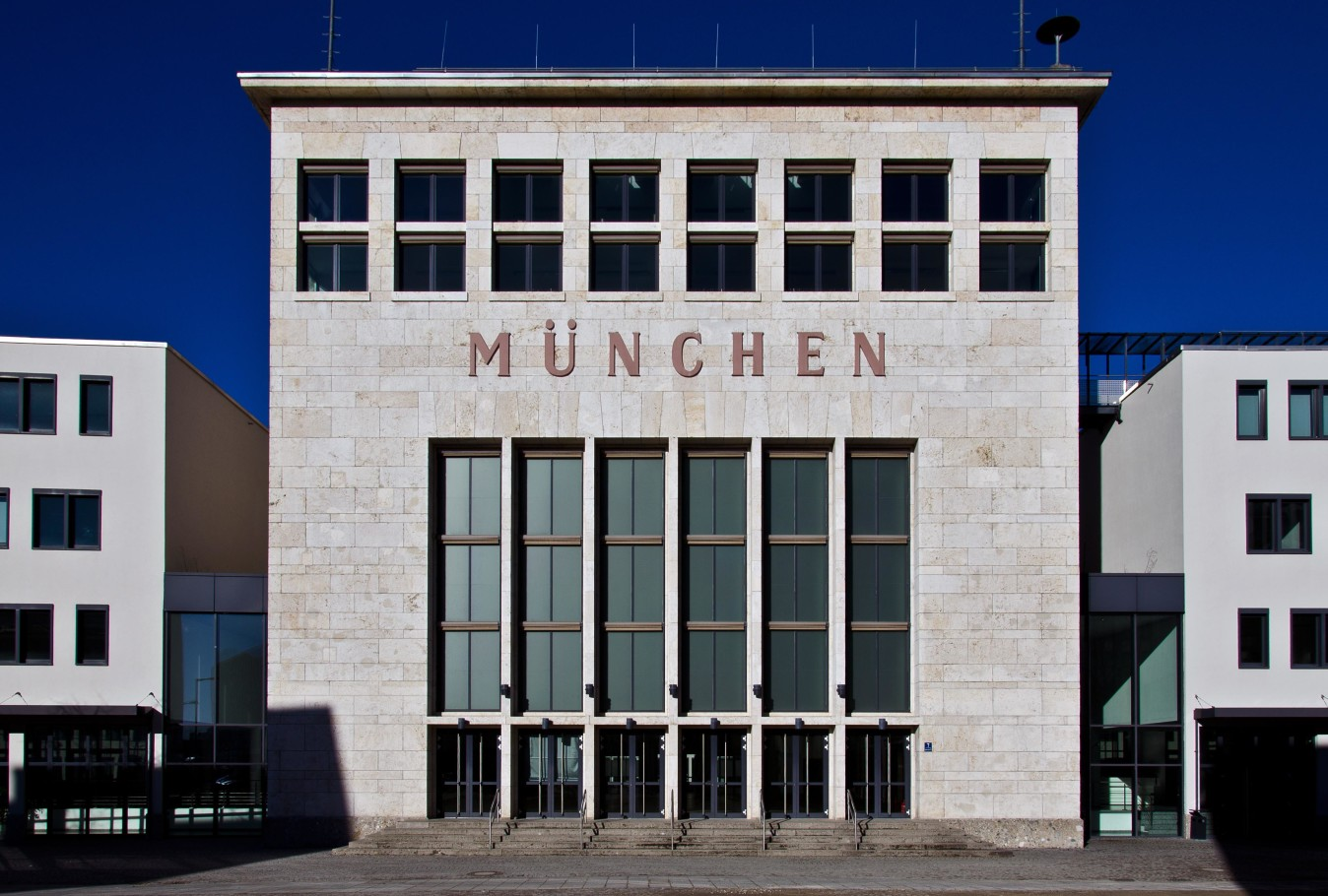 wappenhalle-muenchen-riem-c-johannes-zettel-1348x910.jpg
