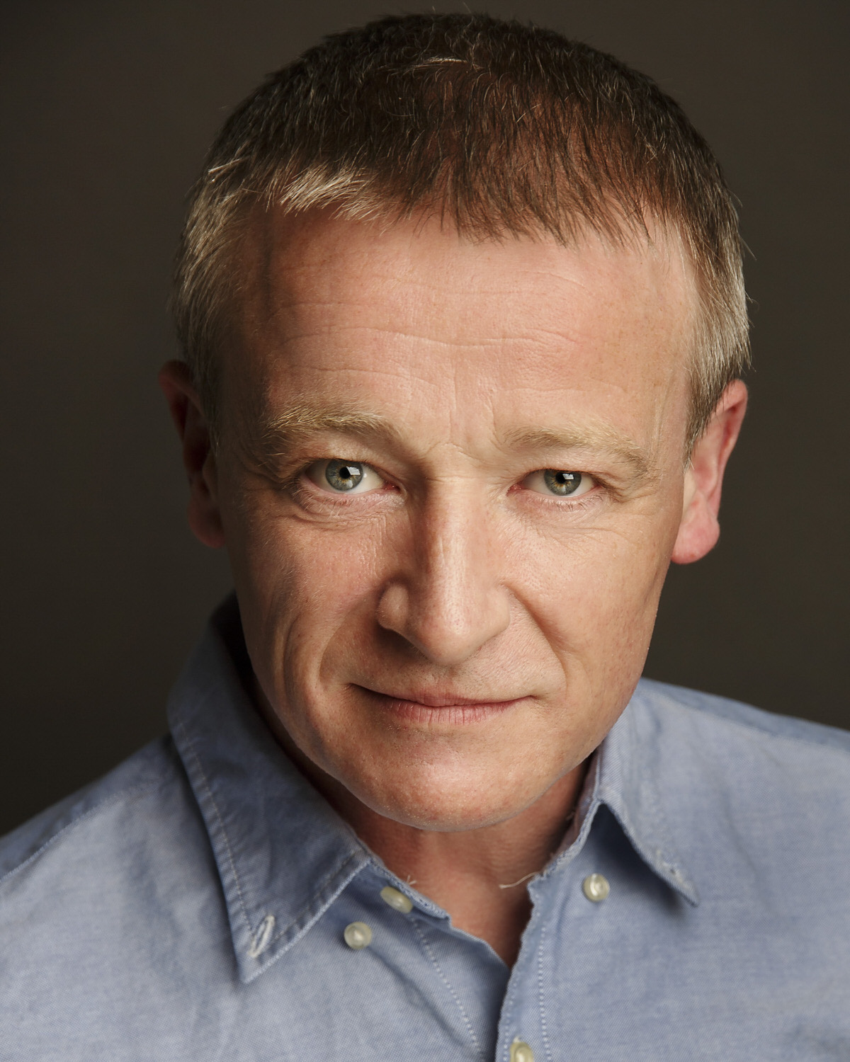 Actor-dancer-musician-headshot-roger-kenny_140.jpg