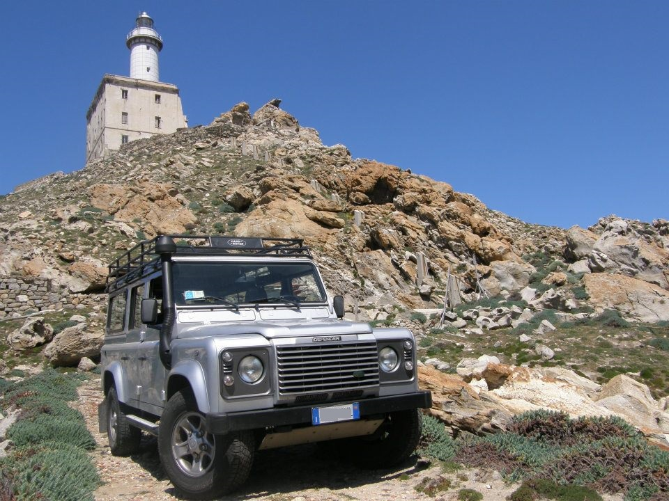 land rover asinara jeep tour.jpg