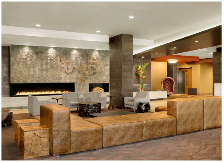 Broadway Hotel _ Lobby.JPG
