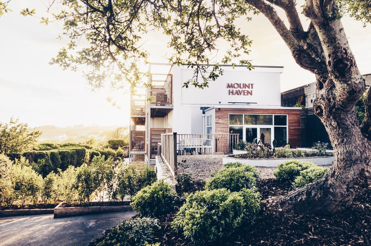 Mount Haven Hotel Entrance
