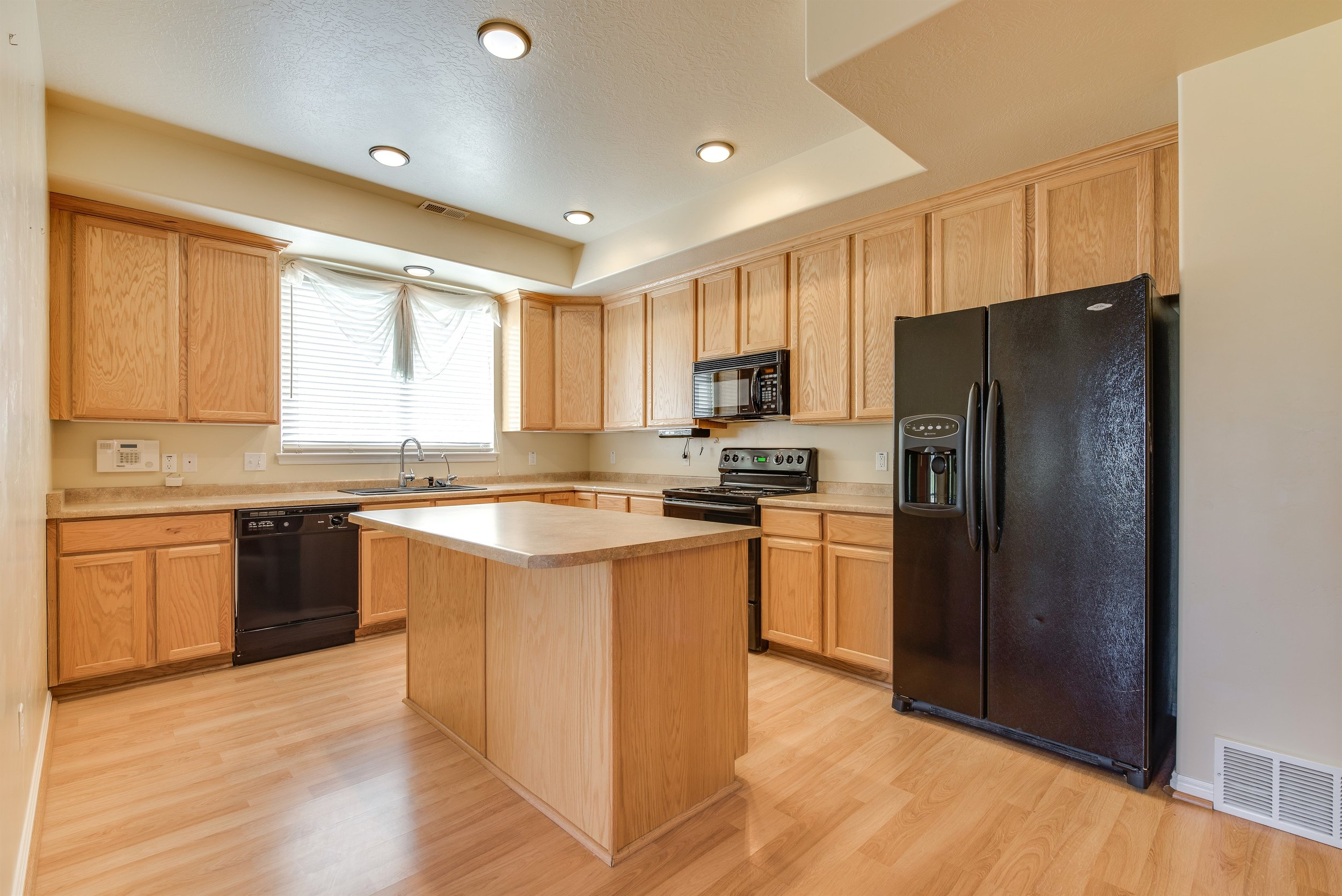 007_Kitchen.jpg