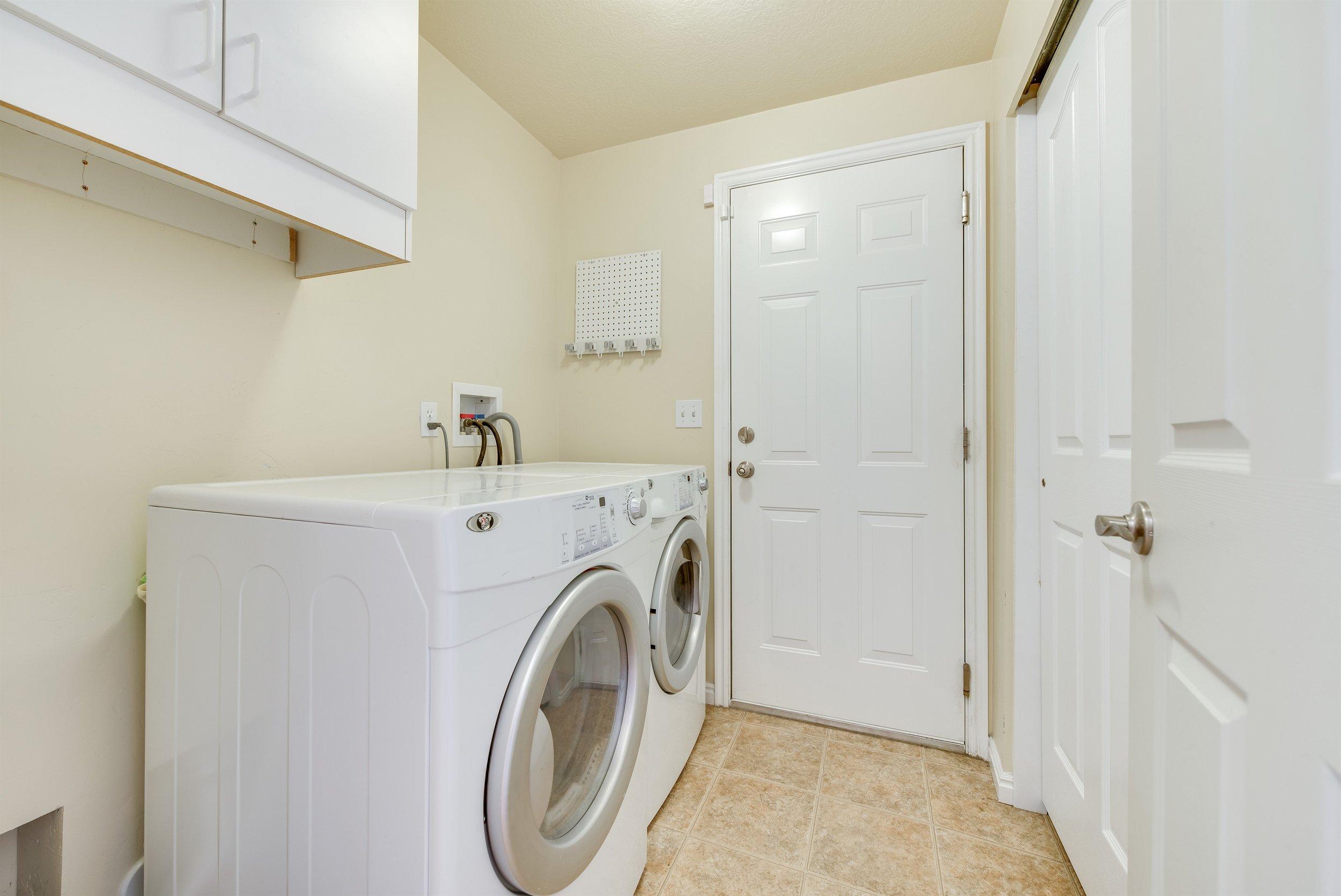010_Laundry.jpg
