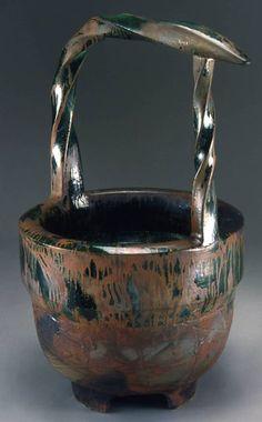 903f2d40a26f09ca3fbb8fc7443afedd--ceramic-pots-raku.jpg