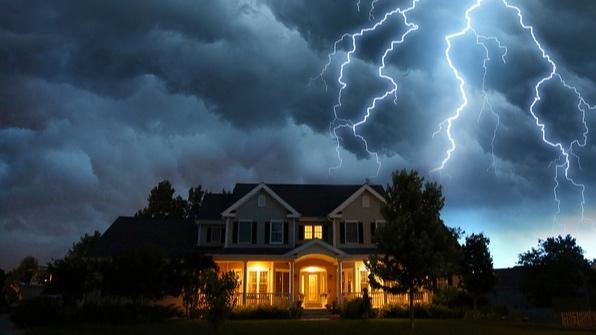 Storm_over_house.jpg