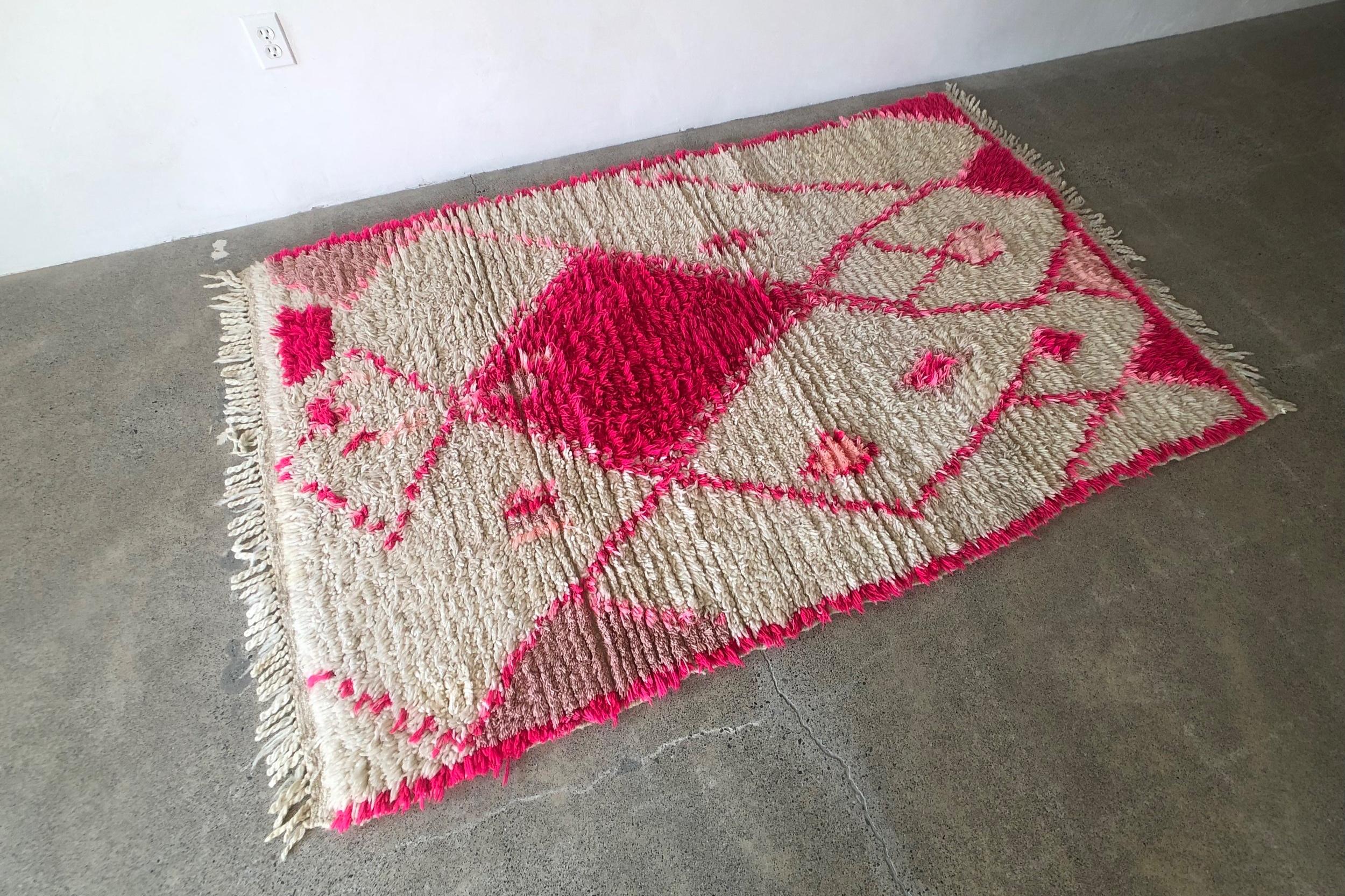 med pink asymmetrical 84x51 a.jpg