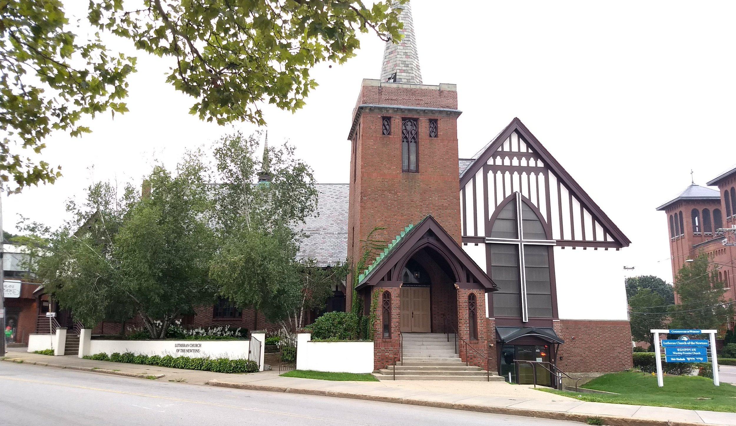 - Lutheran Church of the Newtons (LCN)루터란 교회의 건물에서 예배드리고 있습니다.*주일 주차창 안내와 건물 입구는 아래를 참고하세요